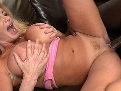 Taylor Wane - Destroying The Milf