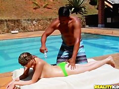 Tony Tigrao gets blow from Yasmin near pool